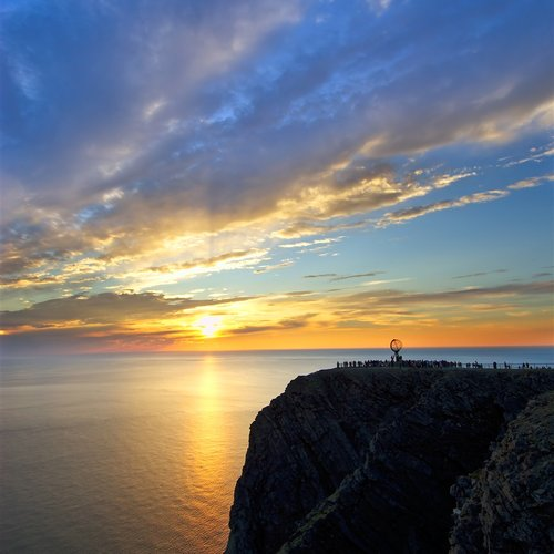 Come and Enjoy the Midnight Sun - Scandinavia Tours