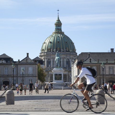 copenhagen, bicycle in front of amalienborg palace_original 1_1_10
