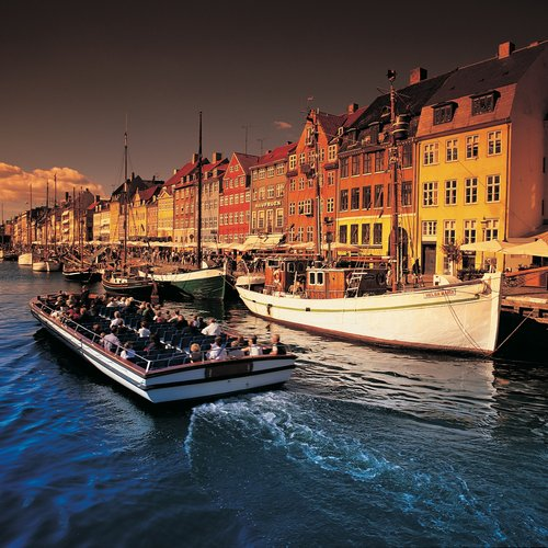 Cosy Nyhaven Packed with Cafés, Boats and the Best Restaurants in Scandinavia - Denmark tour Packages