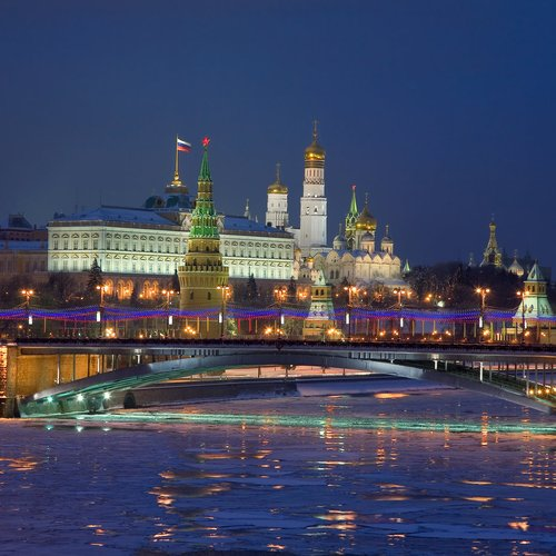 night panorama of the kremlin. moscow