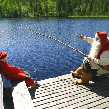 santa-elf-fishing-summer-rovaniemi-2_9295