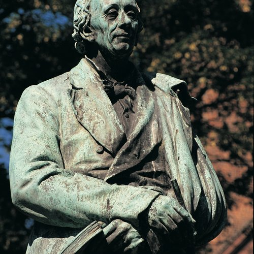 statue  of hans christian anderson